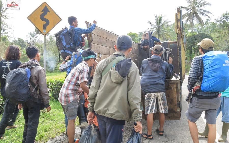 dempo 2 - [Gunung Dempo #1] Menuju Kampung 4