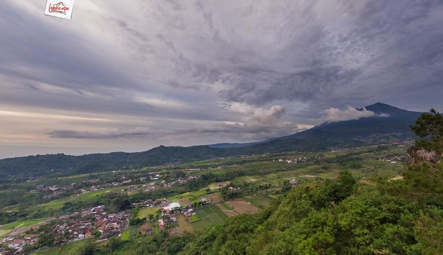 gamping sore 4 - Berkas Senja di Gunung Gamping