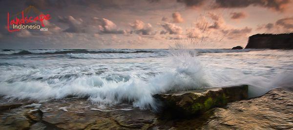 klayar 02 - Pantai Klayar, surga buat pemburu slow speed