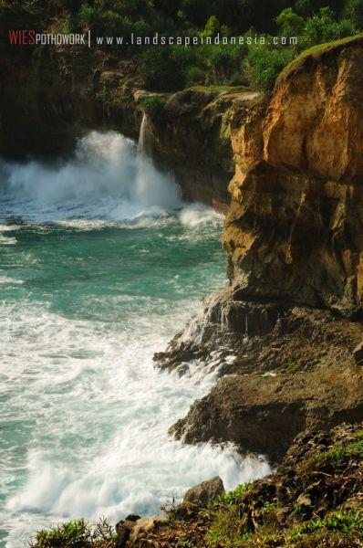 klayar 07 - Pantai Klayar, surga buat pemburu slow speed