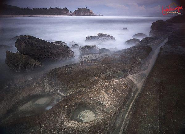 klayar 17 - Pantai Klayar, surga buat pemburu slow speed