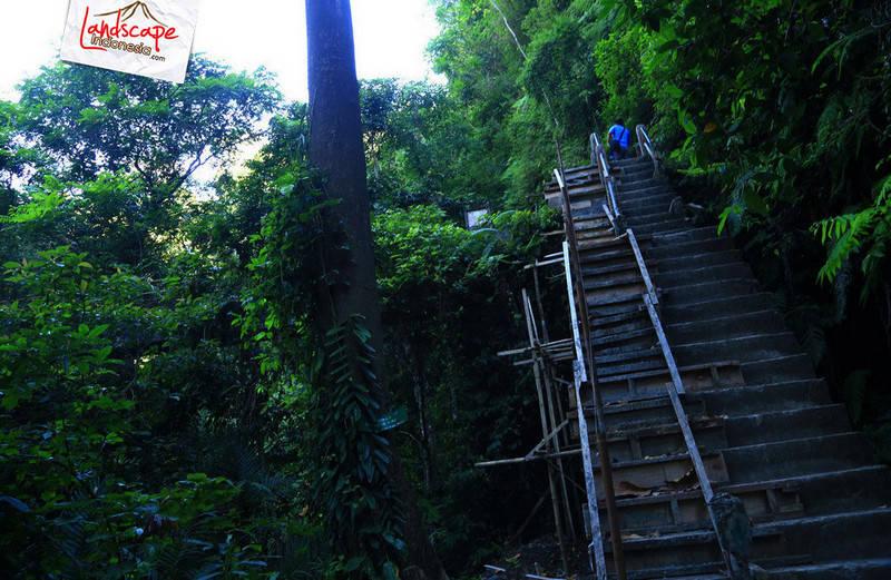 lombok explore chapter3 11 - Tiu kelep waterfall - Explore Lombok 2013 (3)