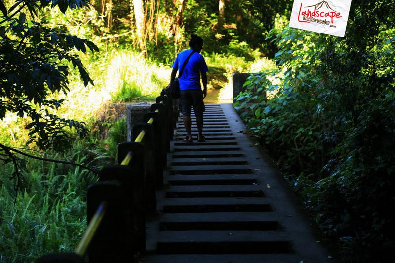 lombok explore chapter3 12 - Tiu kelep waterfall - Explore Lombok 2013 (3)