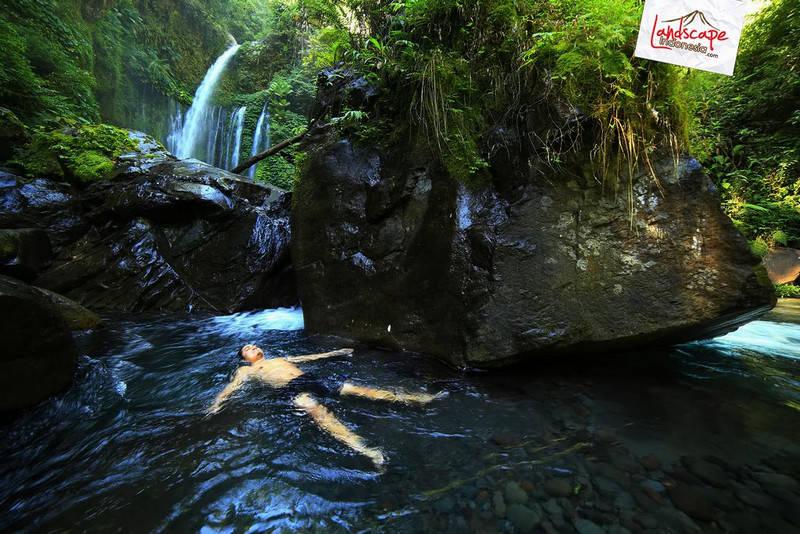 lombok explore chapter3 20 - Tiu kelep waterfall - Explore Lombok 2013 (3)