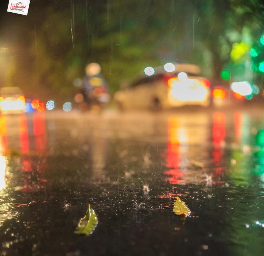 memotret hujan 14 - Memotret Suasana Hujan di Malam Hari