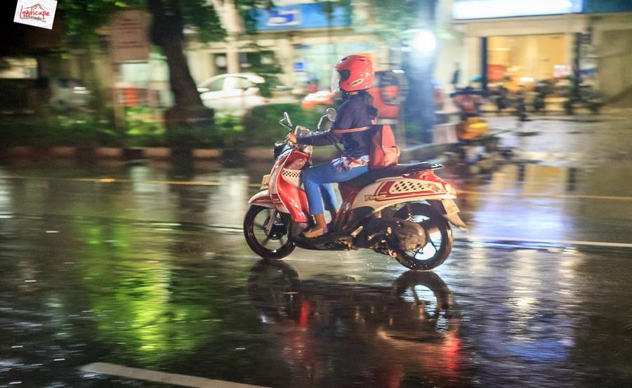 memotret hujan 2 - Memotret Suasana Hujan di Malam Hari