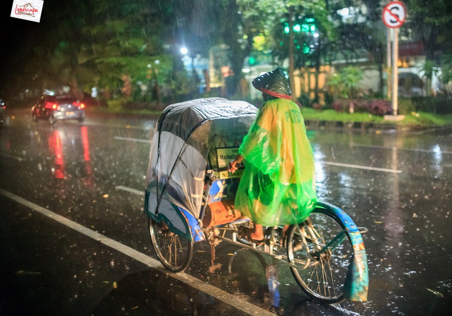 memotret hujan 4 - Memotret Suasana Hujan di Malam Hari