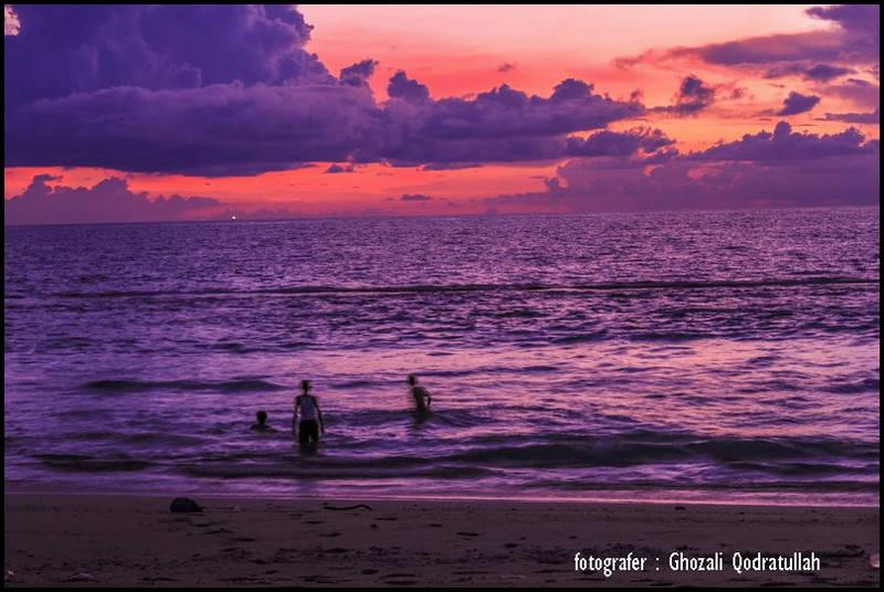 pulau beras 14. ghozaliq bermain air - Pulau Beras, Pulau terbarat di Indonesia [seri pulau Aceh #2]