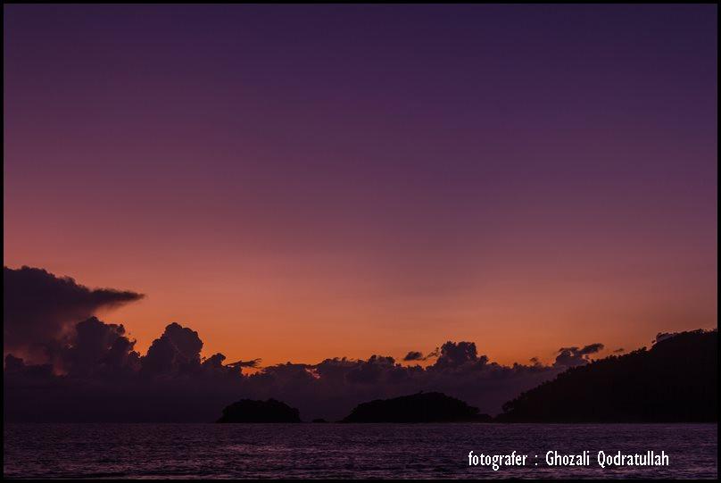pulau beras 15. ghozaliq terbenamnya matahari di pantai lambaro - Pulau Beras, Pulau terbarat di Indonesia [seri pulau Aceh #2]