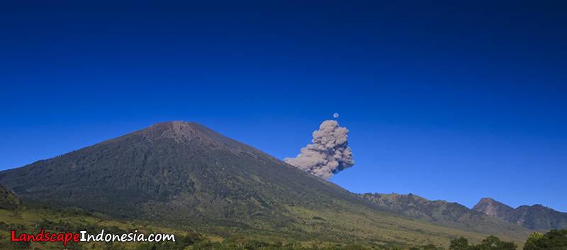 rinjani meletus 1 20100504 1214072383 - lombok .. pulau impian pencinta foto landscape