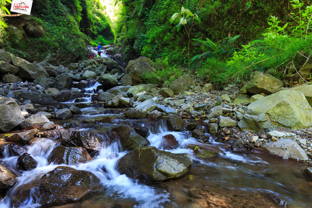 air terjun njalir 21 - Menjalin Langkah Menuju Air Terjun Njalin