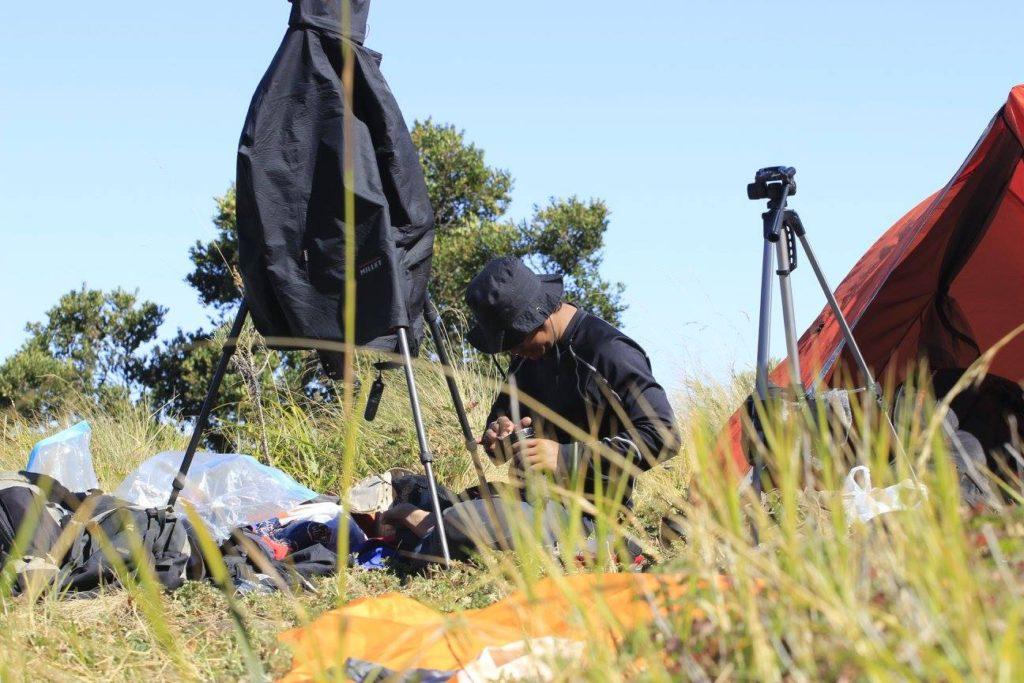 buku merbabu behind the scene 6 1024x683 - Panduan Memotret di Gunung Supaya Menghasilkan Foto Berkesan