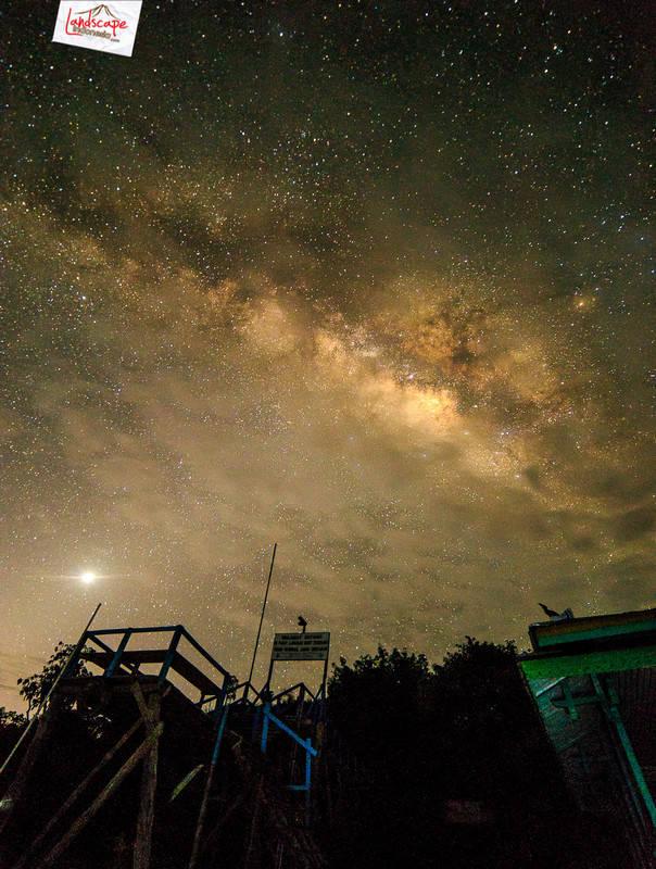 milkyway over tekenang - Milky way di atas Bukit Tekenang