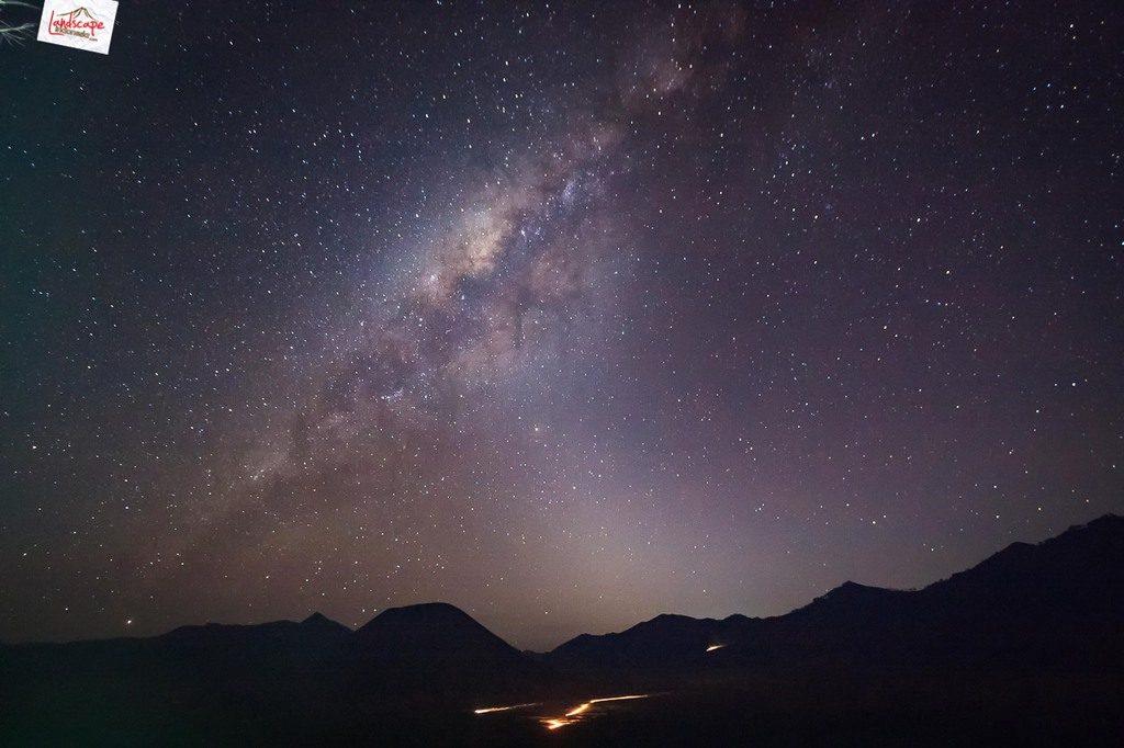 milky way bromo 1 1024x682 - Tips & Panduan Memotret Milky Way