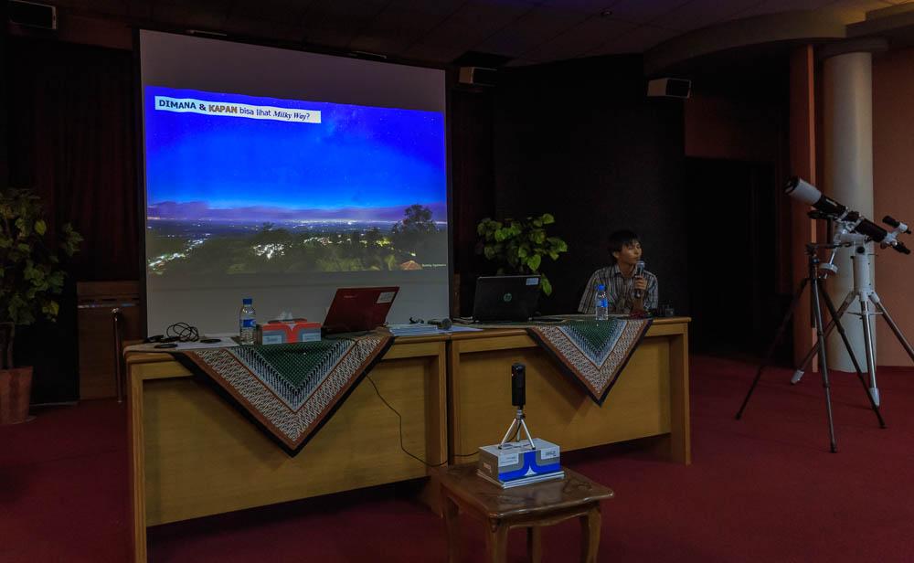 meracuni milkyway 02 - Meracuni Keindahan Milky Way | Planetarium Jakarta