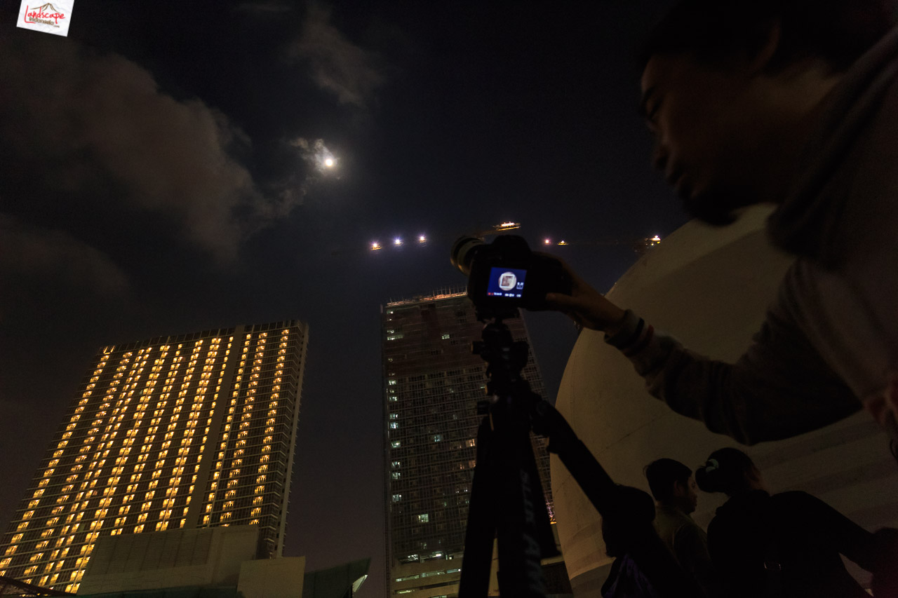 pengamatan gerhana bulan 11 - Pengamatan Gerhana Bulan di Planetarium Jakarta