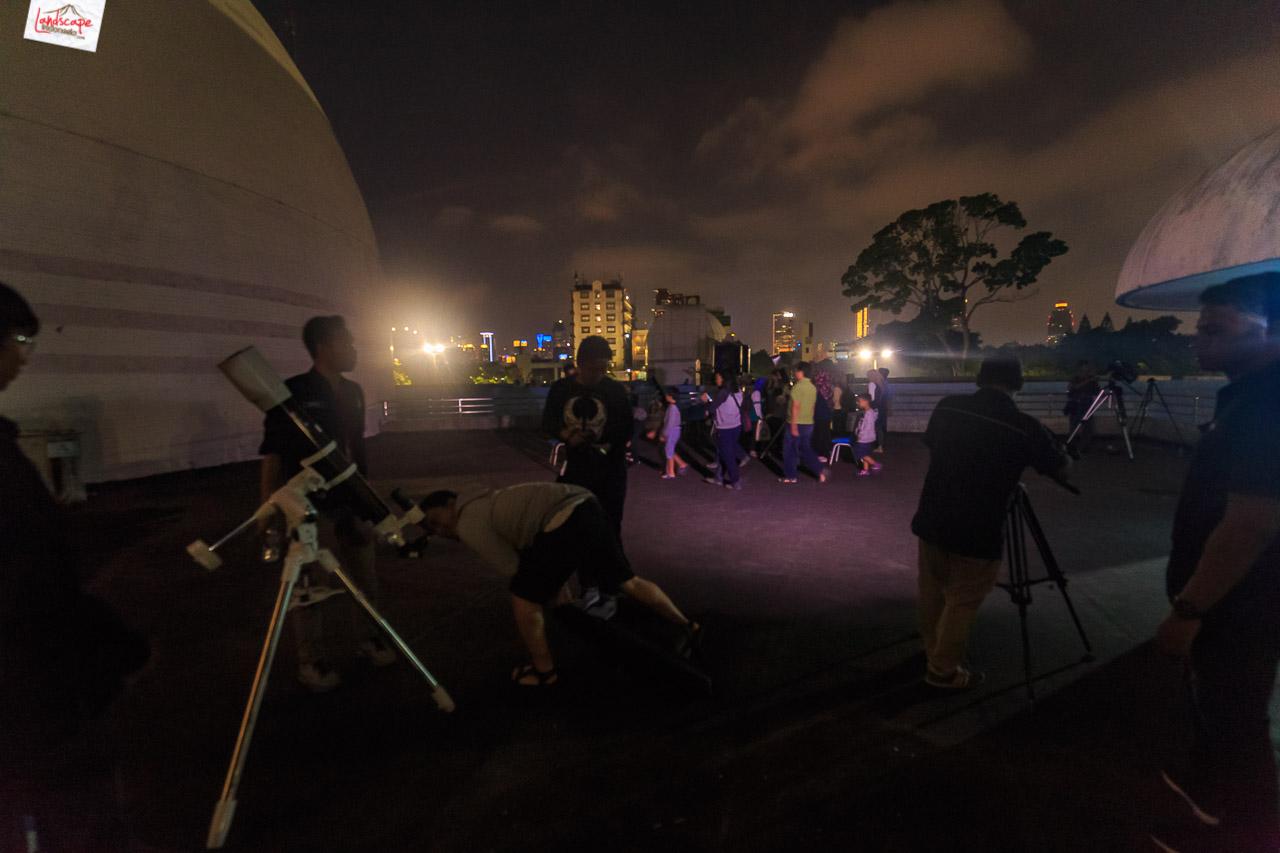 pengamatan gerhana bulan 4 - Pengamatan Gerhana Bulan di Planetarium Jakarta