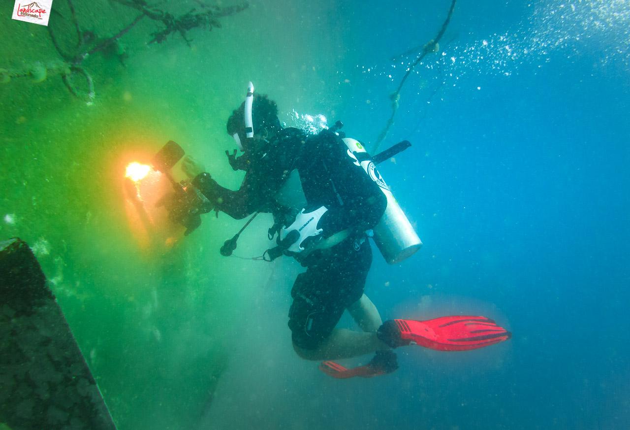 wreck dive kapal ahok 14 - Wreck Dive Kapal Ahok