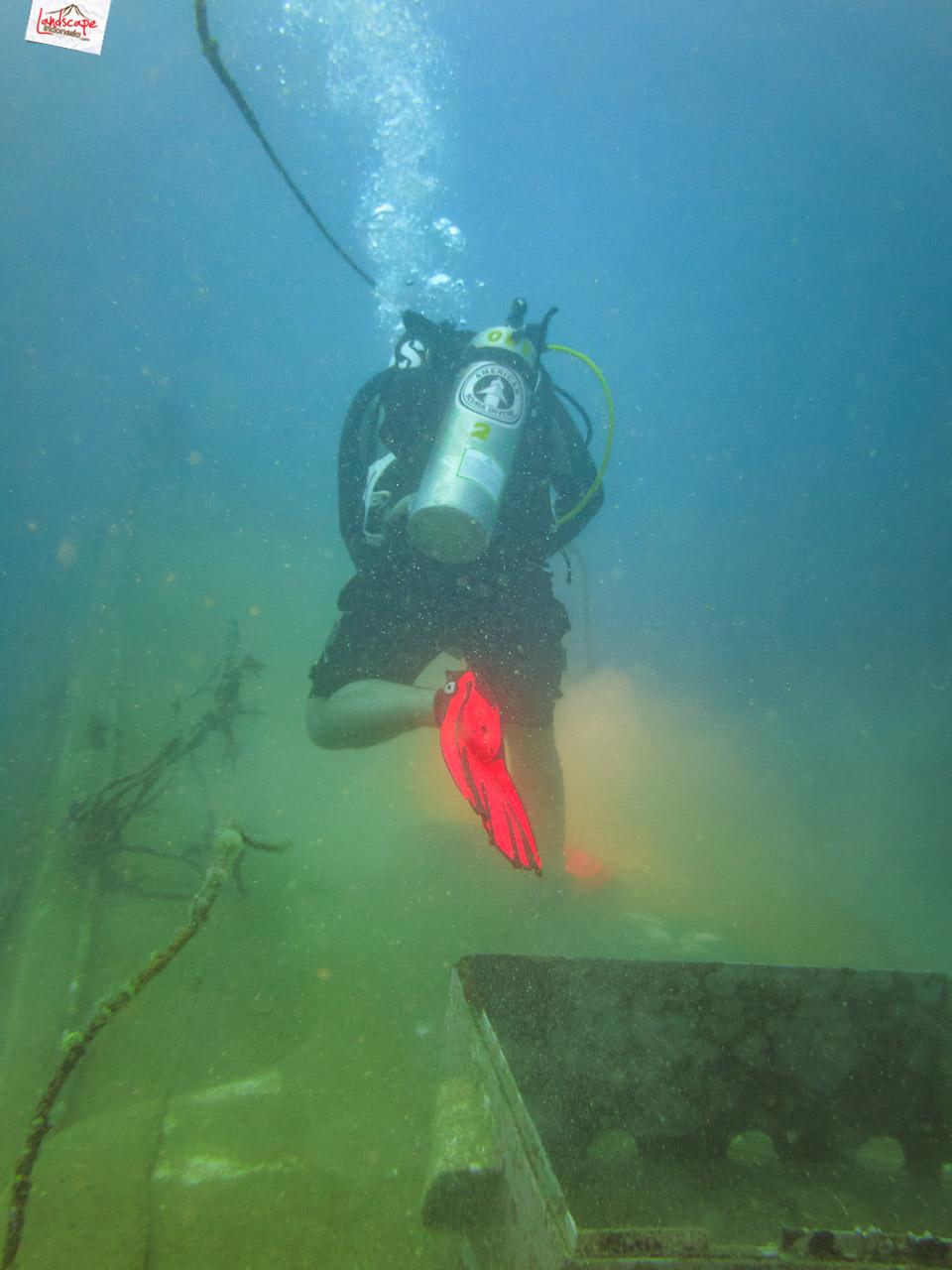 wreck dive kapal ahok 15 - Wreck Dive Kapal Ahok