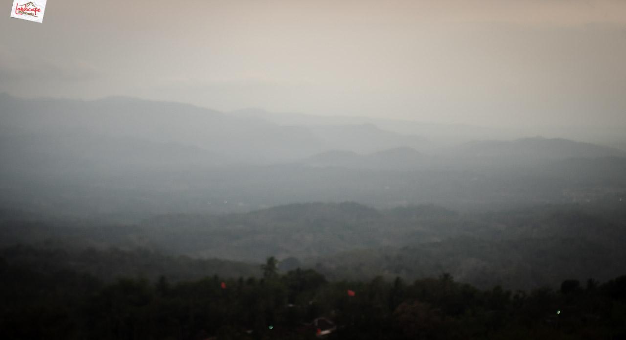 bukit laskar pelangi 1 - Makan Malam di Puncak Bukit Laskar Pelangi