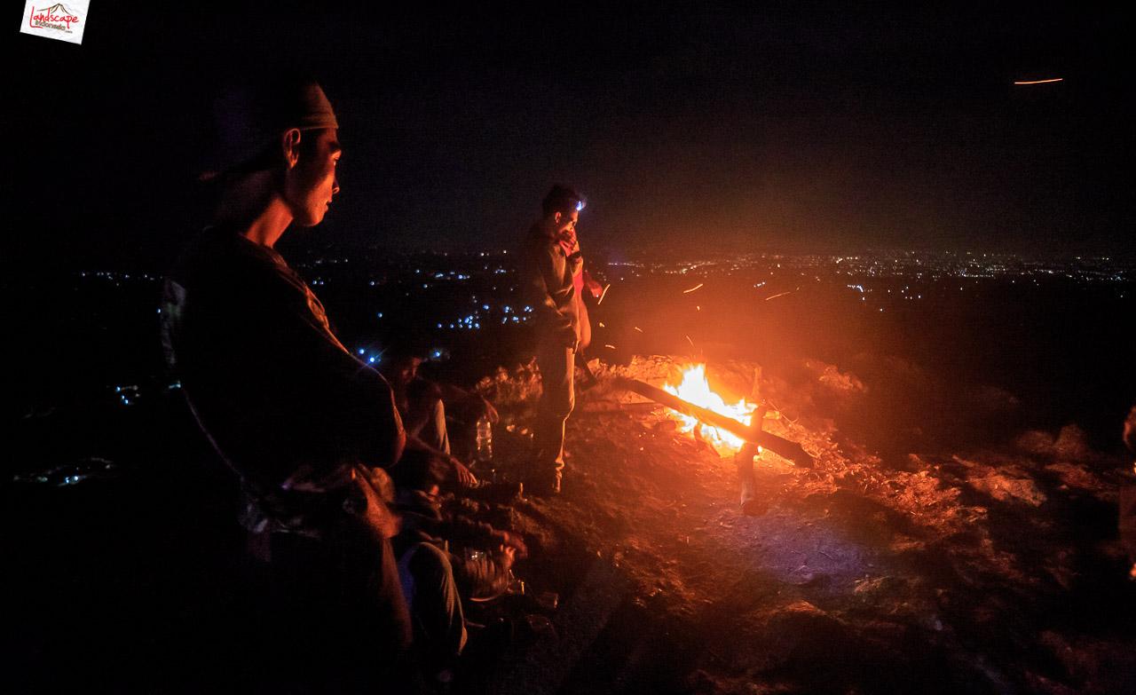 bukit laskar pelangi 12 - Makan Malam di Puncak Bukit Laskar Pelangi