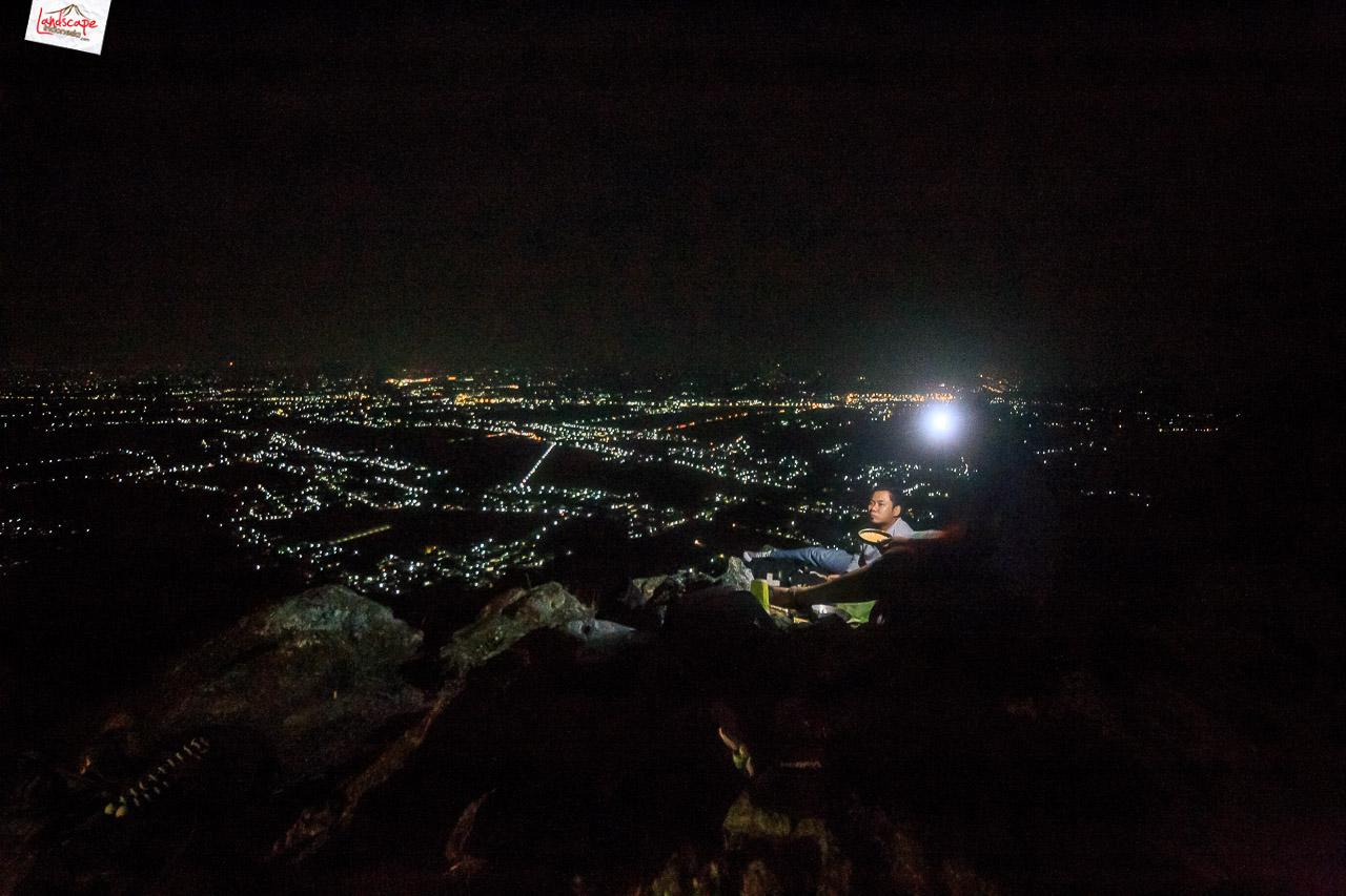 bukit laskar pelangi 29 - Makan Malam di Puncak Bukit Laskar Pelangi
