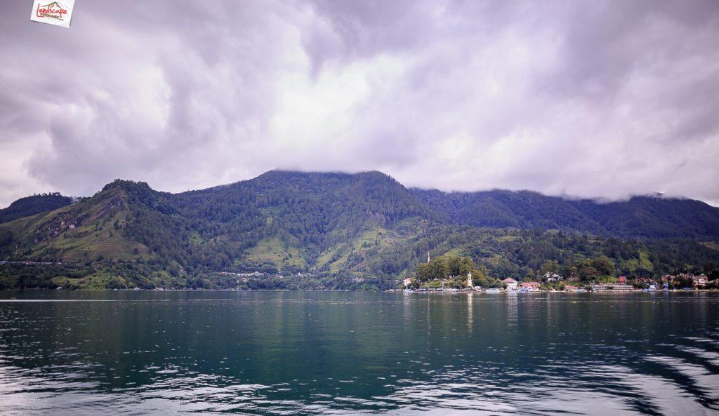 sehari di danau toba 6 1024x593 - Sehari di Danau Toba