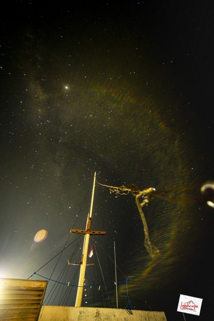 milkyway komodo kapal 04 682x1024 - Memburu Milky Way di atas Kapal
