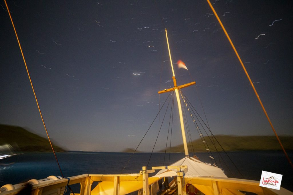 milkyway komodo kapal 06 1024x682 - Memburu Milky Way di atas Kapal