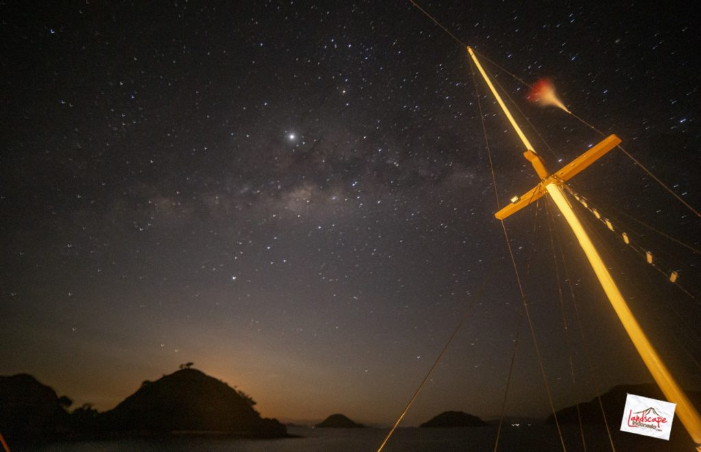 milkyway komodo kapal 14 1024x660 - Memburu Milky Way di atas Kapal