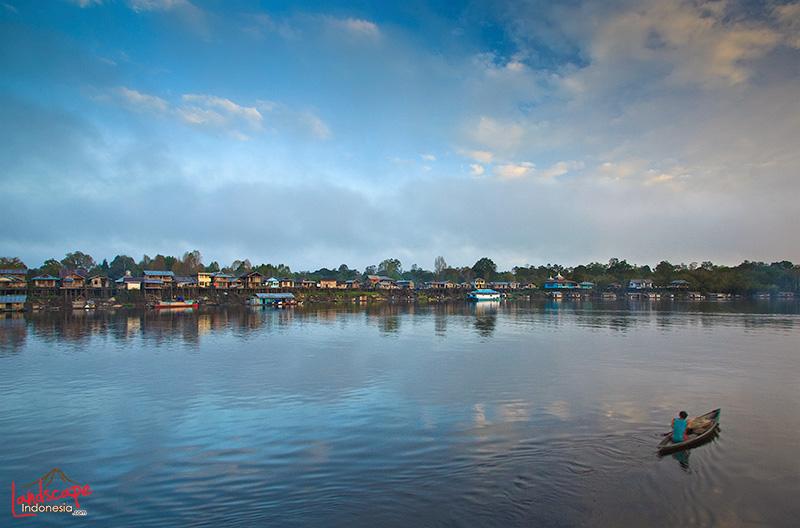 keindahan danau sentarum