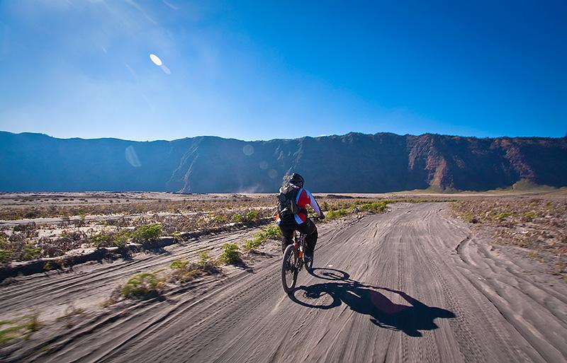 epic volcano 042 - Widhi Bek : Dengan Kamera Berkeliling Indonesia