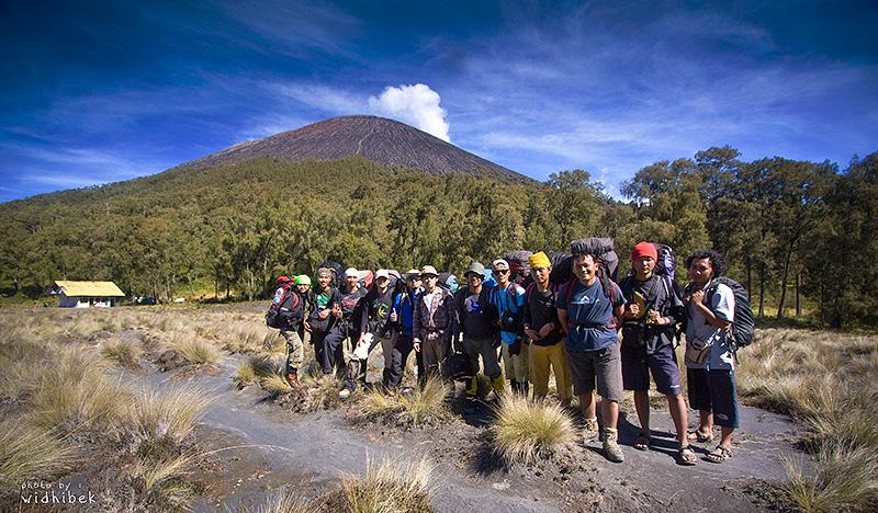 kalimati team1 - Widhi Bek : Dengan Kamera Berkeliling Indonesia
