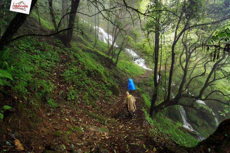 memotret hujan 13 - Panduan Memotret di Gunung Supaya Menghasilkan Foto Berkesan