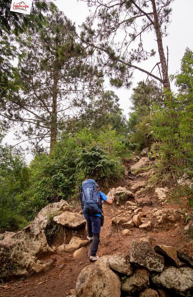 gunung lawu jalur candi cetho 04 - Gunung Lawu Jalur Candi Cetho di Kala Hujan