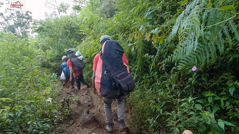 gunung lawu jalur candi cetho 30 - Gunung Lawu Jalur Candi Cetho di Kala Hujan