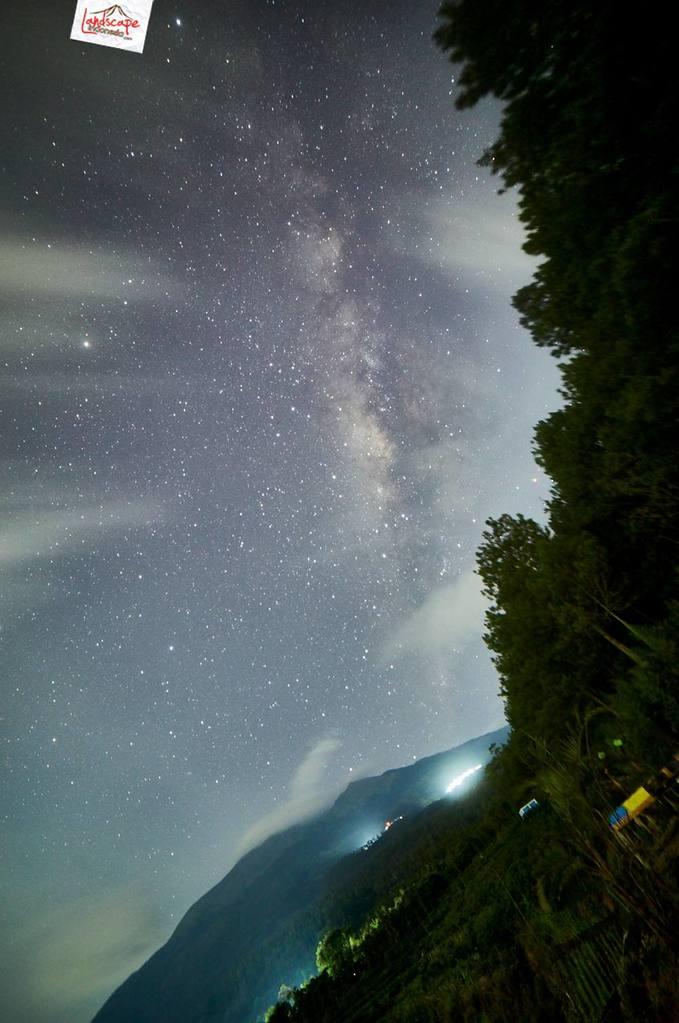 milkyway kayon 03 679x1024 - Hunting Milky Way Merbabu di Kayon