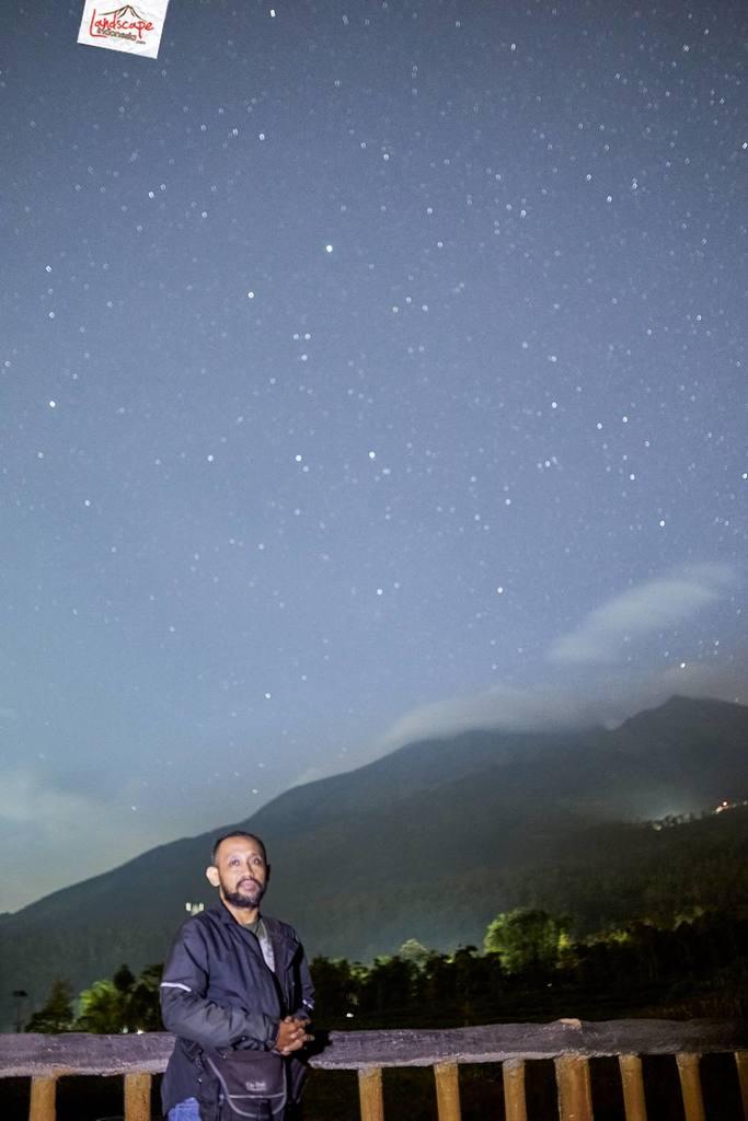 milkyway kayon 09 683x1024 - Hunting Milky Way Merbabu di Kayon