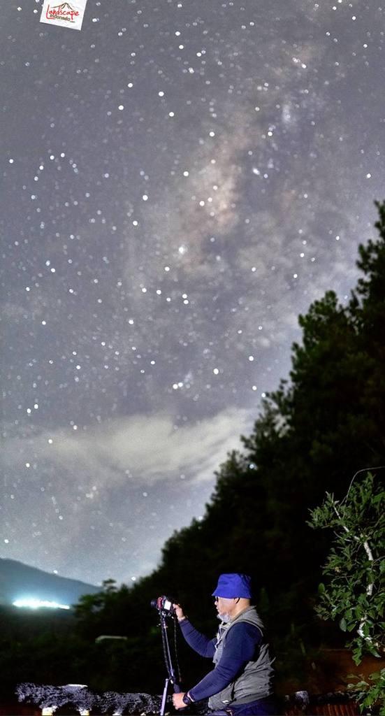 milkyway kayon 10 551x1024 - Hunting Milky Way Merbabu di Kayon